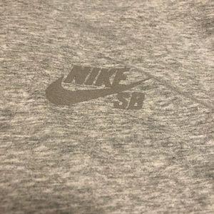 Rare Nike SB Mens Long Sleeve T Shirt